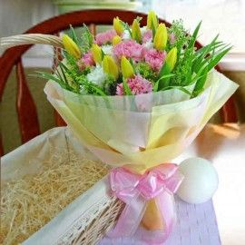 10 Yellow tulip with pink Carnation Hand bouquet