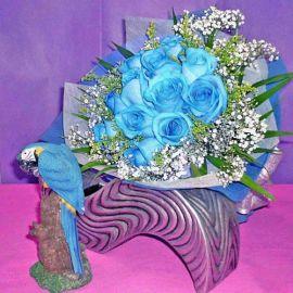 12 Blue Roses Handbouquet