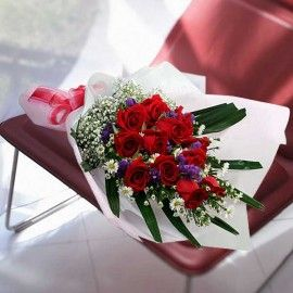 12 Red Roses Long Wrapping HandBouquet