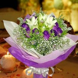 3 lily with 12 purple roses Handbouquet