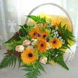 6 orange gerbera and 6 champagne roses handbouquet