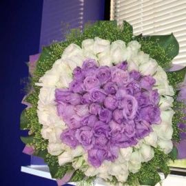 99 Roses ( 40 Purple 59 White ) Handbouquet