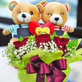 Couple Bear 18cm with 3 red roses arrangement