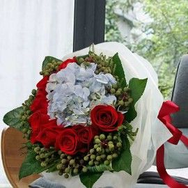 Hydrangeas & Roses Bouquet (Need 2 Days Advance Order)