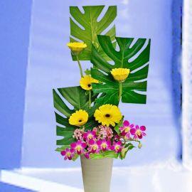 IKEBANA Fresh Flowers Arrangement