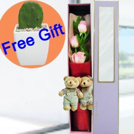 3 Peach Roses & Mini Couple Bear in Gift Box