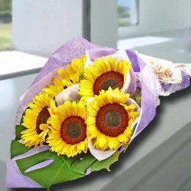 5 Sun flowers Handbouquet