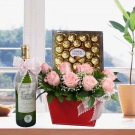 White Wine & 8 Peach Roses With Ferrero Rocher Chocolates