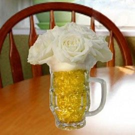 10 White Roses in Beer mug